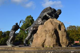2014 David Livingstone Lion Statue by Andy Bain